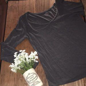 Loft gray neck cotton tee // size medium